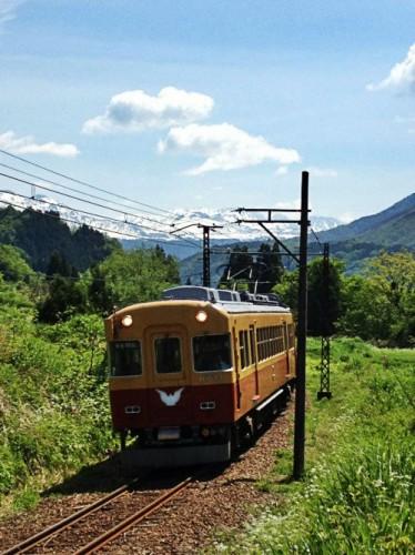 立山と電車3r2