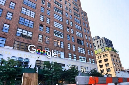 クレジットGoogleとレインボーフラッグ