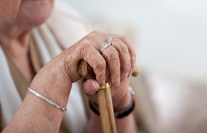 平均貯蓄額は473万円! 働く女性の9割が「老後のお金」に不安