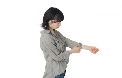 H&Mの「とろみシャツ」が大人にオススメな理由 カリスマ読モ・吉田絵美奈のプチプラコーデ<