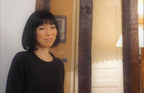「自分の成長に人目を気にする必要はない」 パリで活躍する調香師・新間美也さんに聞く