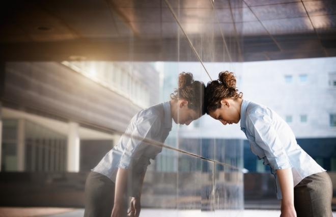 4割の女性、報酬に「性差感じる」 キャリアサポートにも不満