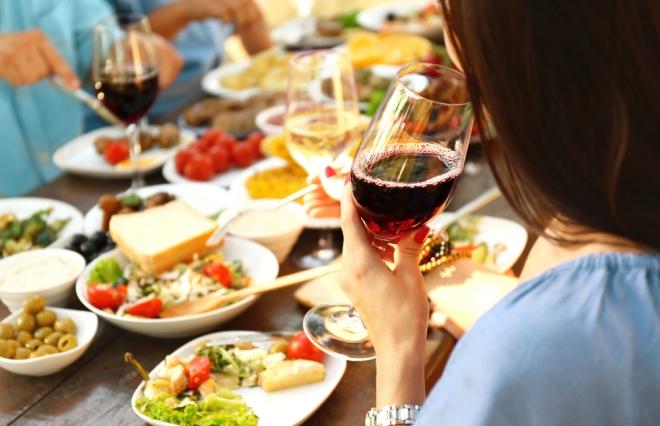 サラダはどう選ぶ?糖尿病専門医に聞く「飲み会で太りにくいメニューを選ぶ方法」