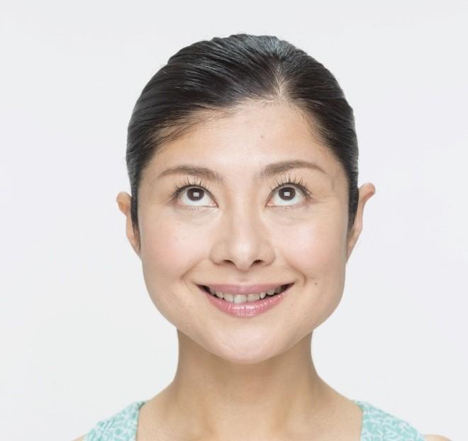 kaoyoga02_08_photo8おいしい顔_目線上