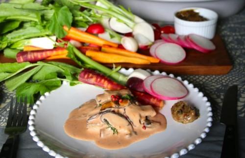 カジキマグロのトマトクリームソース添え&野菜スティック【金曜日の夜ごはん】