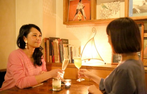 """年上でも""""いじる""""ことは大事 芳麗さんに聞く、コミュニケーションを楽しむ秘訣<"""
