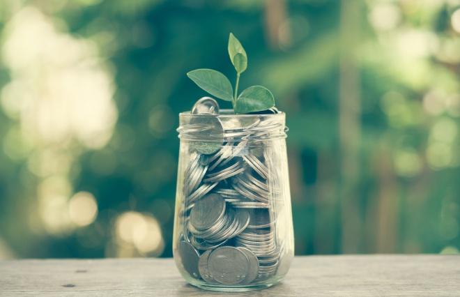 お金の不安をなくしたいなら「貯める」より「稼ぎ続ける」を優先して