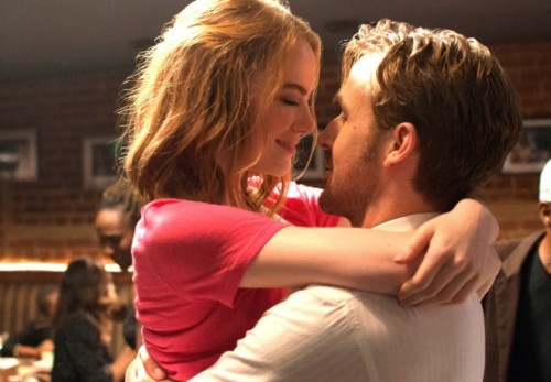 (C)2016 Summit Entertainment, LLC. All Rights Reserved. Photo credit:EW0001:Sebastian(Ryan Gosling)and Mia(Emma Stone)in LA LA LAND.Photo courtesy of Lionsgate.
