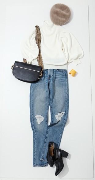 ベルトバッグとは、持ち手部分が太くて派手なデザインが特徴の小さめバッグ。