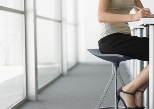 「冷え」と同時に起こりやすい リンパドレナージュの専門家が教える、足のむくみのケア方法