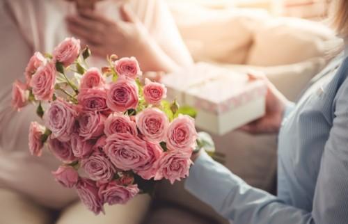「母の日」のプレゼント、何あげる?オトナ女性に聞いてみた