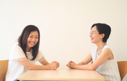 海野P(左)と鈴木(右)