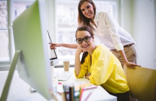 """職場での「みんな仲良く」は幻想です。意識するのは距離感の""""チューニング""""【DJあおい】"""