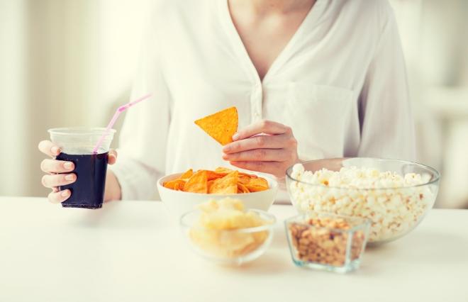 管理栄養士が教える。肌ガサガサのときに補いたい栄養素とお手軽メニュー