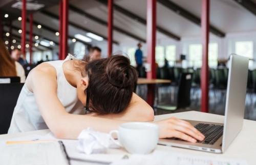 新宿・渋谷よりも丸の内女子のほうが疲れてる 8割が「いつも疲労感」