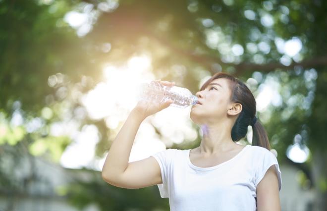 「内臓冷え」に「隠れ脱水」…臨床内科専門医に聞く、夏バテで女子に多い症状と対策