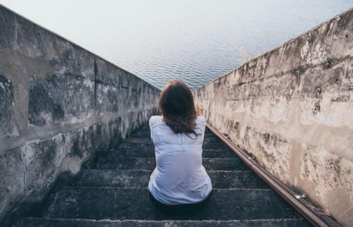 「最期に孤独はイヤ」理想の未来に取り憑かれたオンナの話