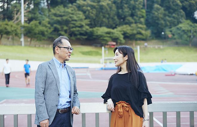 (左から)前野隆司教授と川崎貴子さん