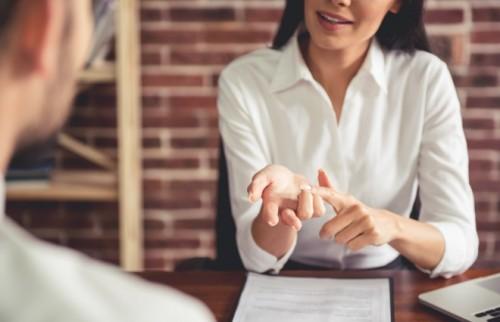 年収別・年代別に見る、転職者が企業に求める情報【調査】