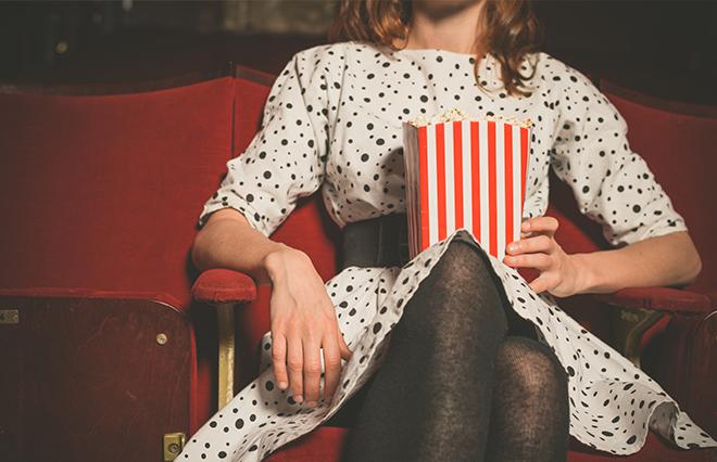 8割の女性が「一人映画」の経験 逆に最も難しい「一人◯◯」は?【おひとりさま調査】