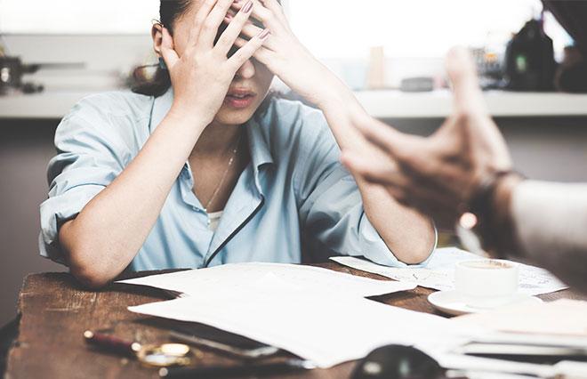 7割の女性「職場でハラスメントを受けたことがある」でも、5人に1人が誰にも相談できず…
