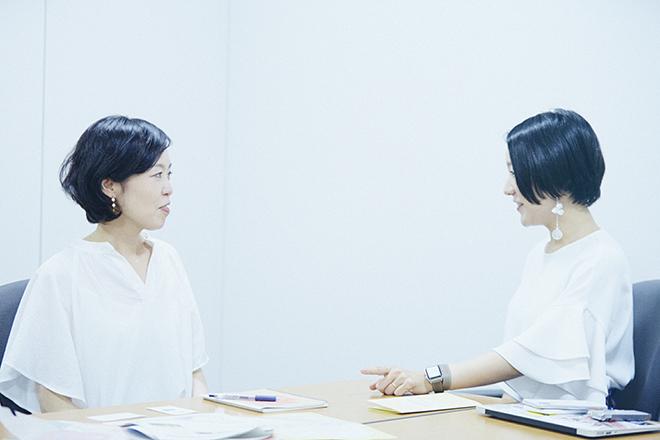 宮田麻子さん(左)と小沢あやさん