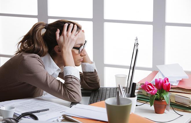 ズキズキ、肩こり、めまい、冷えをともなう慢性の頭痛…タイプ別の漢方薬ケア【専門医に聞く】