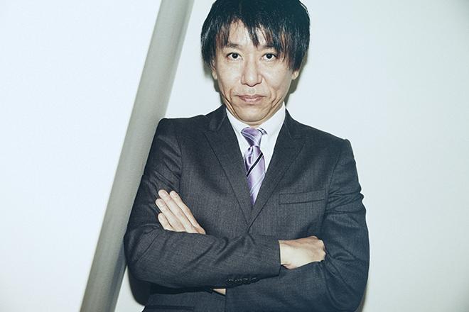 著者で「日経ビジネス」副編集長の鈴木信行さん