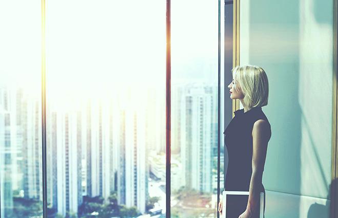 出世のきっかけ「自発的なものではない」が8割超【女性管理職の意識調査】