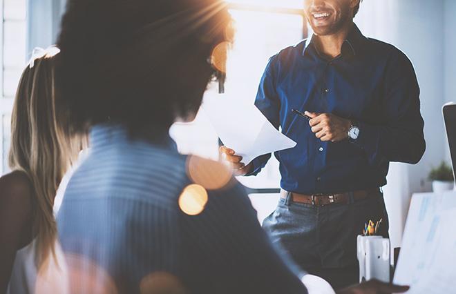 女性が長く働ける職場環境の特徴。充実した制度より「周囲の理解」