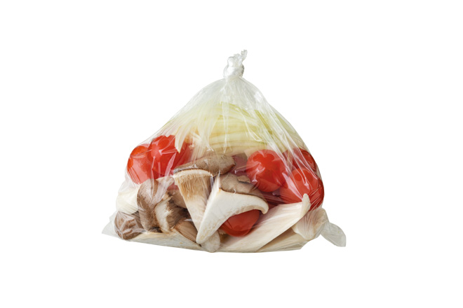 「前仕込みした食材はポリ袋保存がおすすめ」とのこと/『かんたん仕込みですぐごはん』より抜粋
