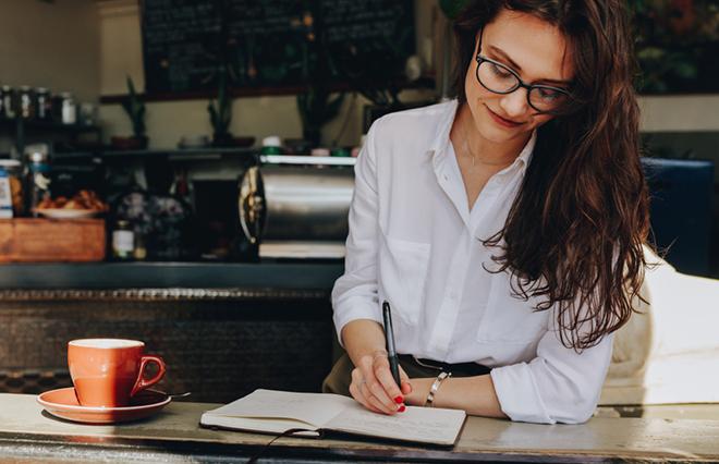 ネガティブ発言、職場恋愛…働き女子が仕事で「しない」と決めていること