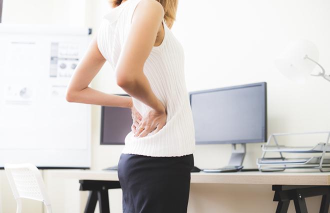 座りっぱなしで足腰がつらい…デスクで簡単筋トレ&ストレッチ【鍼灸師に聞く】