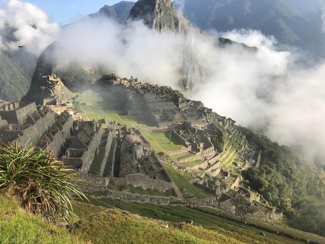 2018年秋、ペルーのマチュピチュ。雲の中から遺跡が表れる光景は絶景でした。