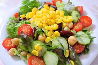 トマトときゅうりサラダ