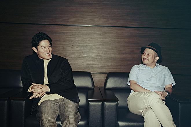 鈴木亮平さん(左)と白石和彌監督