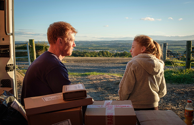 それでもアマゾンでポチってしまう私たち…映画『家族を想うとき』が突きつけるもの