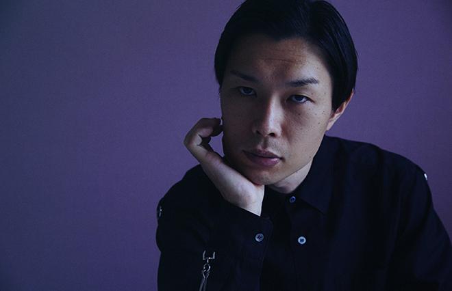 9月に初エッセイ『僕の人生には事件が起きない』を上梓した岩井勇気さん