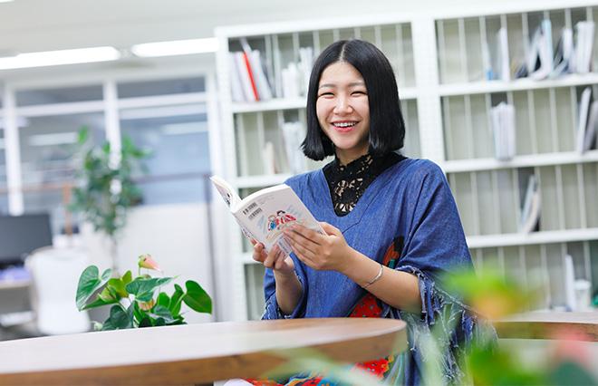 『日本のヤバい女の子』1冊目と2冊目の違いとは?