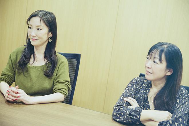 (左から)川崎貴子さん、江村林香さん