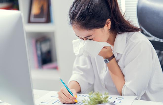 花粉症の人は寒暖差アレルギーに注意…市販薬の選びかたとセルフケア法【専門医が教える】