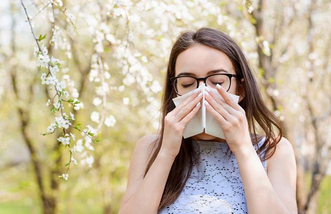 花粉症の新治療薬「ゾレア」の治療法は? 費用は?【耳鼻咽喉科専門医に聞く】