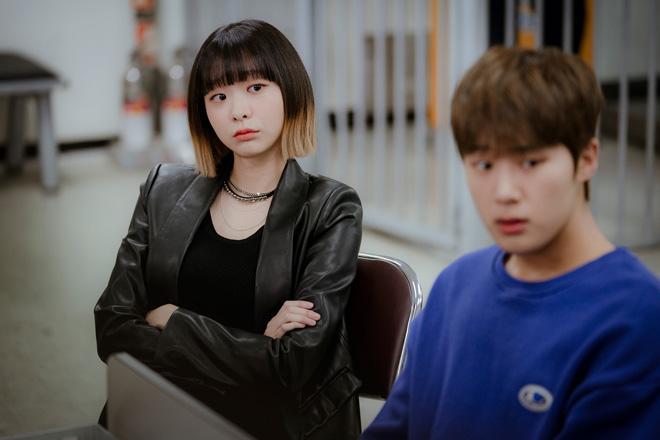 左がチョ・イソ/Netflixオリジナルシリーズ『梨泰院クラス』独占配信中