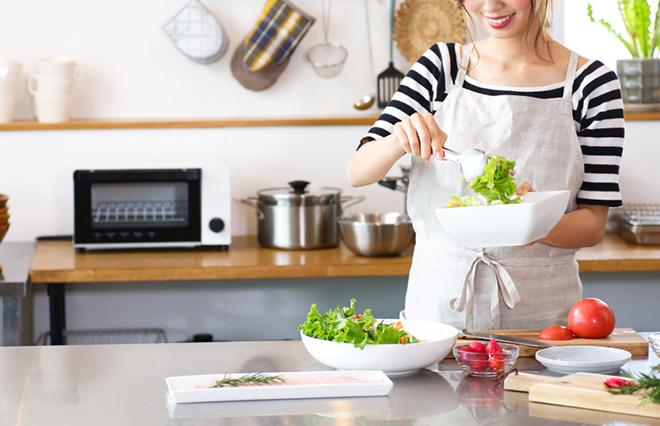 野菜・タンパク質・油、何がいい? 逆流性食道炎の胃にやさしい食事とは?【専門医に聞く】