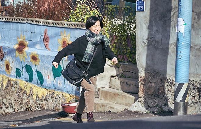 『チャンシルさんには福が多いね』1月8日(金)より全国公開/配給:リアリーライクフィルムズ、キノ・キネマ /(C)KIM Cho-hee All RIGHTS RESERVED/ ReallyLikeFilms