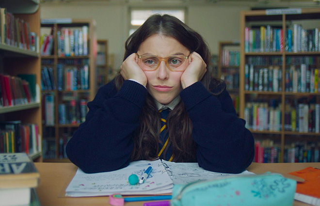 女の子が抱えている困難をぶっちゃけた映画、人気コラムニストが『ビルド・ア・ガール』に込めた意味