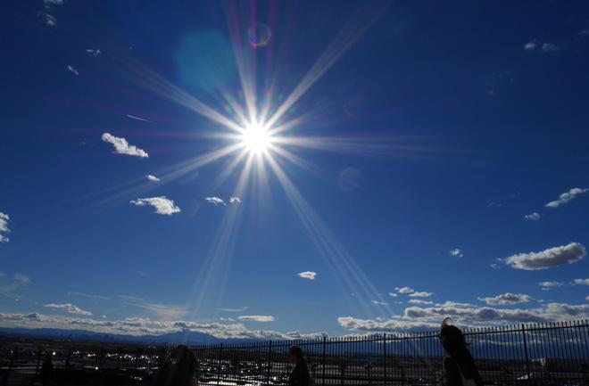 太陽よ。サンサンすぎないか?